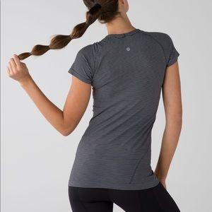 Lululemon Run: Swiftly Tech Short Sleeve - size 6